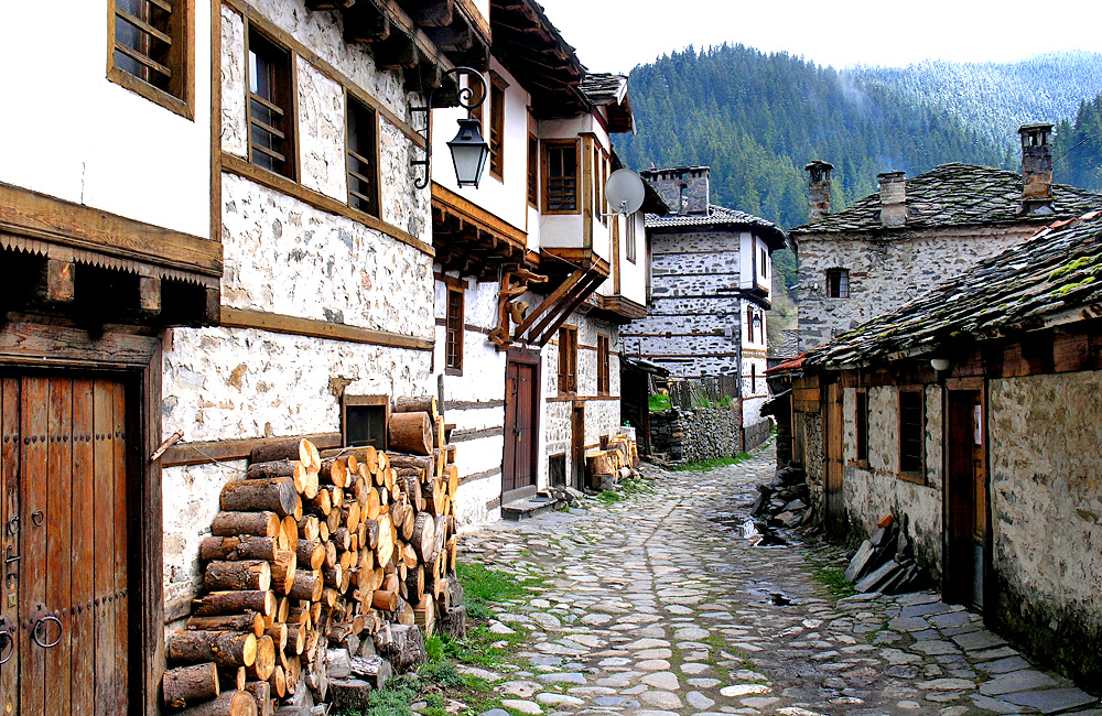 hiking and history tour of bulgaria, shiroka laka