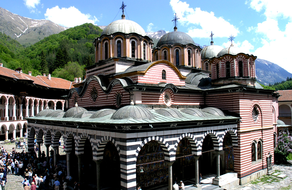 hiking and history tour of bulgaria