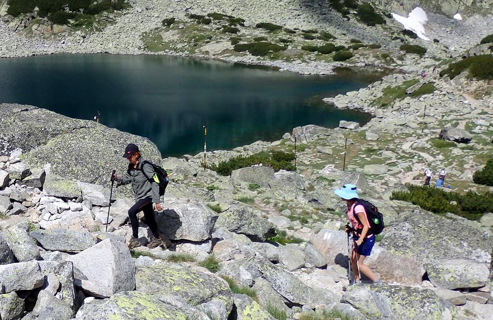 Excursiones de senderismo y trekking montañas de rila el pico de musala en bulgaria