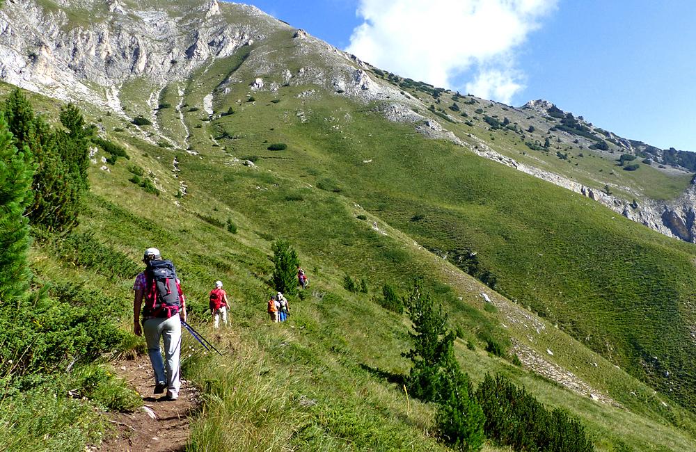 viajes a pie y caminatas y trekking montañas de pirin y rila en bulgaria