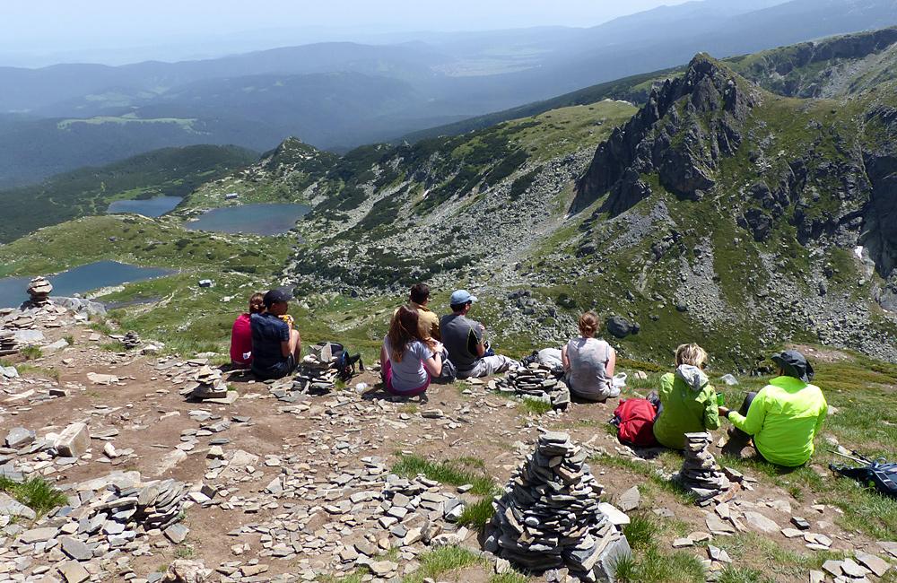 viajes a pie y caminatas y trekking montañas de rila en bulgaria los siete lagos de rila