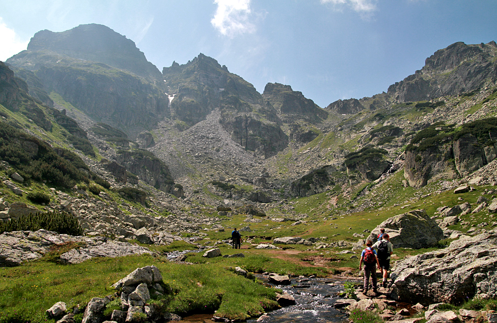 hiking and trekking in rila mountains, climbing malyovitsa summit