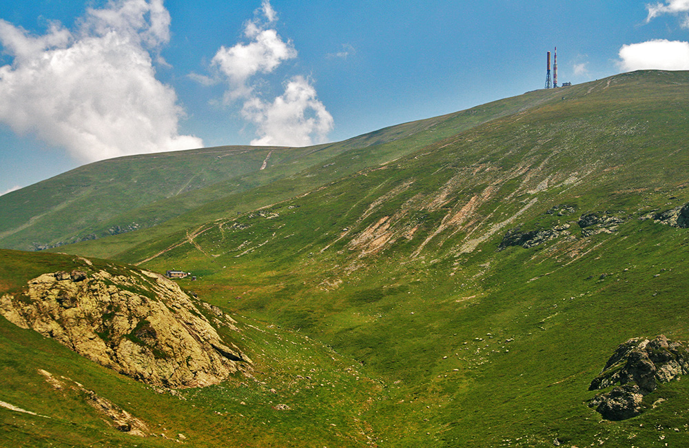 balkan-mountains-hiking-and-trekking,-bulgaria