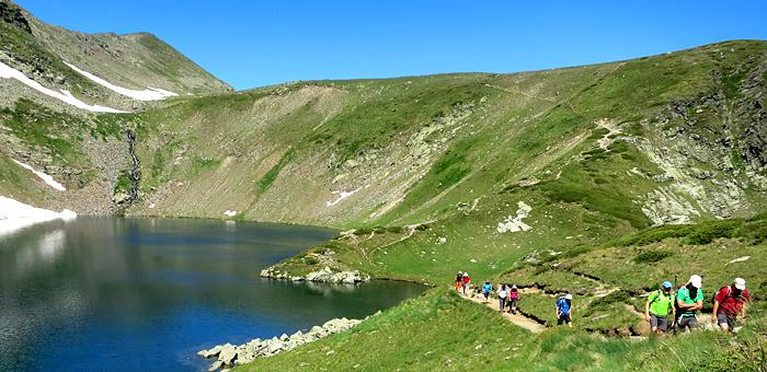 individuelle wanderung in den rila-bergen, bulgarien
