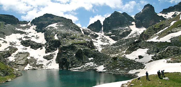 senderismo y trekking en montaña de rila el pico de malyovitsa